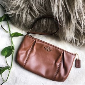 NWOT Coach Leather Wristlet/Clutch